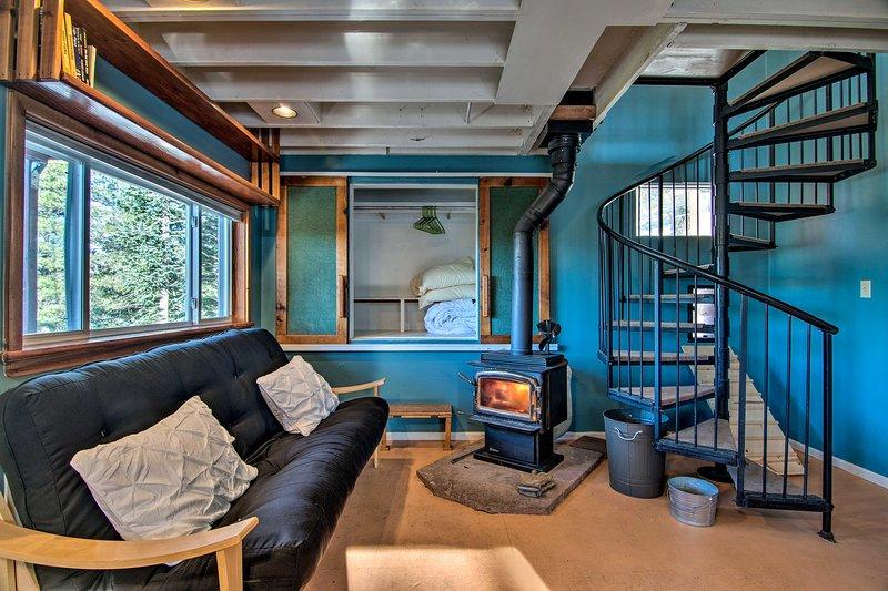 Nederland Cabin w/Fireplace, Mtn Divide Views, location de vacances à Rollinsville