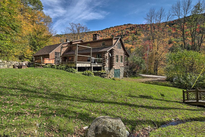 Picture-Perfect Vermont Mtn Cabin w/ Hot Tub!, aluguéis de temporada em Quechee