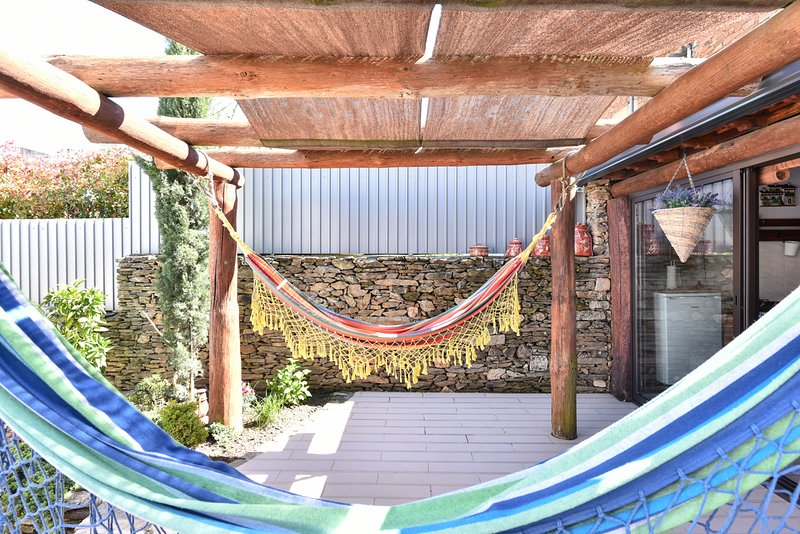 Fontelo Villa Sleeps 12 with Pool and Air Con - 5816802, vacation rental in Viseu District