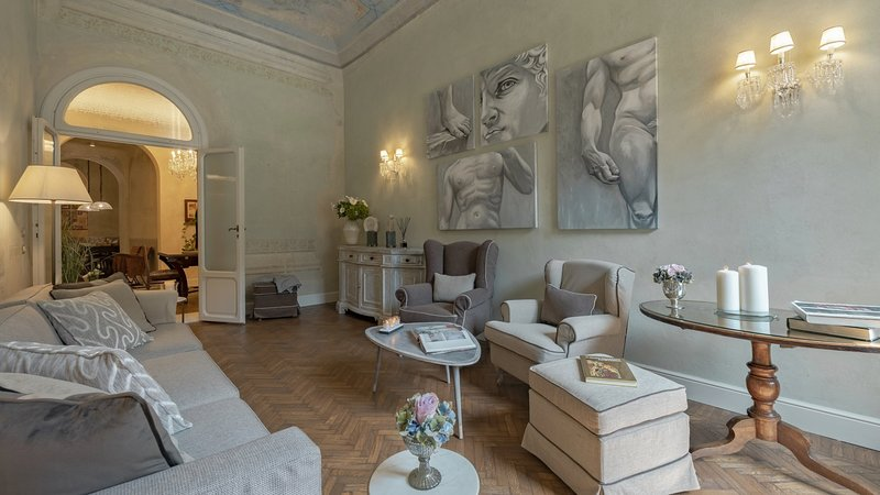 Luxury apartment Lorenzo, vacation rental in Florence