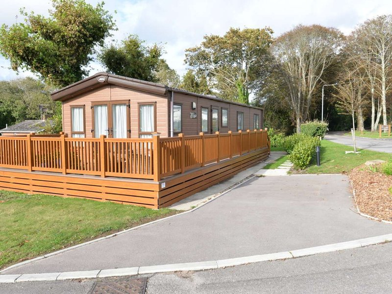 MEADOWSIDE HEIGHTS at HOBURNE NAISH, holiday rental in Highcliffe