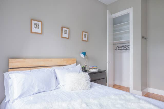 Bed-Stuy modern private room near Williamsburg, holiday rental in West Stockholm