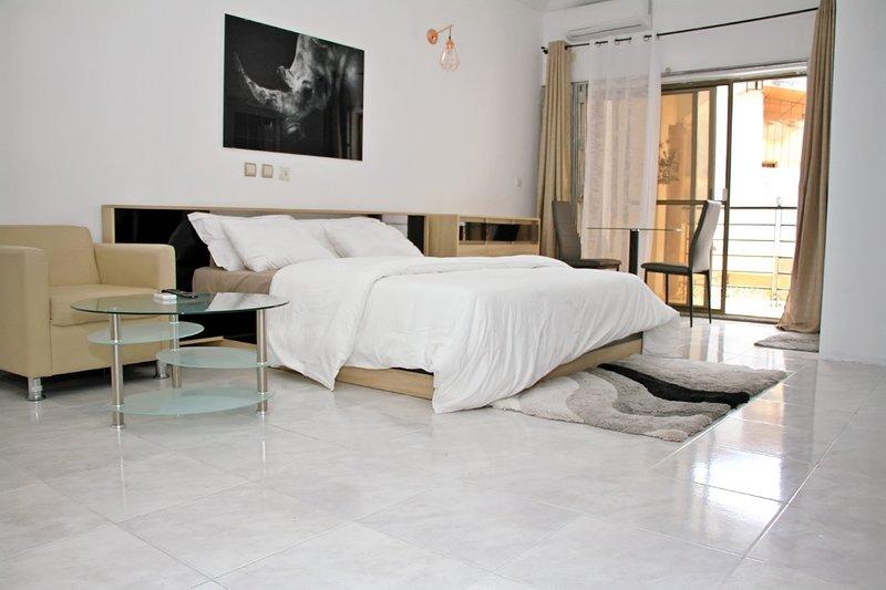 Residence LOLYA a Cocody (Bonoumin), location de vacances à Région des lagunes