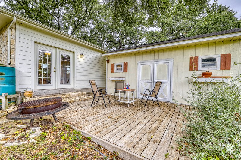 Lovely studio guest house with all the comforts of home, vacation rental in Fredericksburg