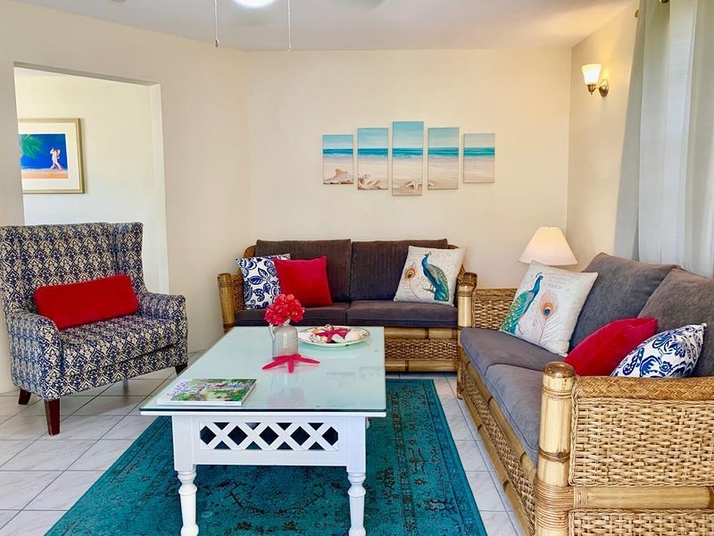 Villa Mia Two Bedroom Apartment No.2 Near Miami Beach, holiday rental in Oistins