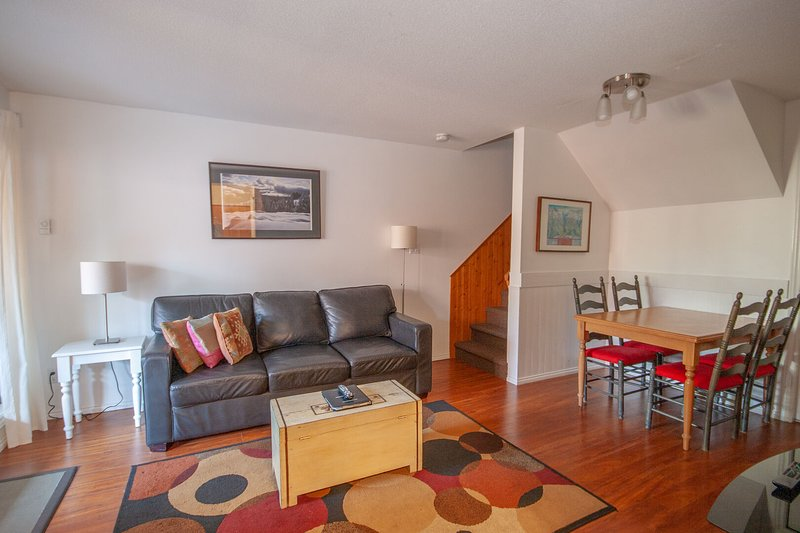 WELCOME to Glaciers Reach - Located in the Village North you are seconds away from all of the action in Whistler Village. This cozy home will provide you with all you need for an epic Whistler experience.
