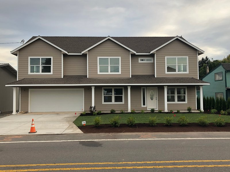 Spacious New Home, Oregon 3D Art View House Pet/Family Friendly, holiday rental in Salem