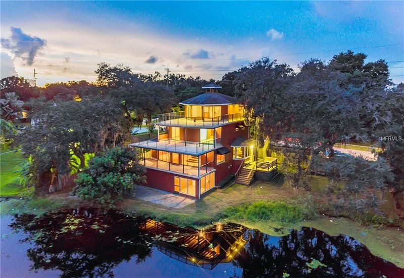 Pete and Ron's River Front Boat House, holiday rental in Temple Terrace