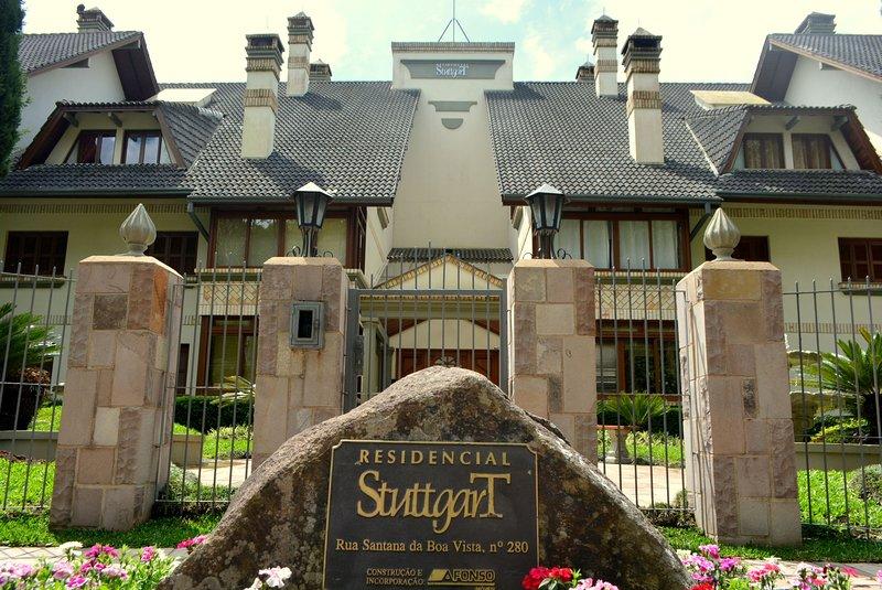 LOCAR-IN GRAMADO Cobertura Stuttgart -Área Nobre, vacation rental in Nova Petropolis