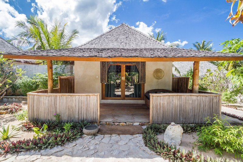 Cozy Family Bungalow, holiday rental in East Nusa Tenggara