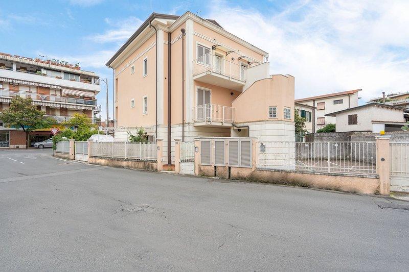 Casa Leonardo, location de vacances à Marina Di Massa