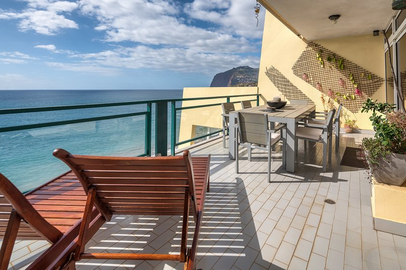 Charming Penthouse On Beach, vacation rental in Funchal