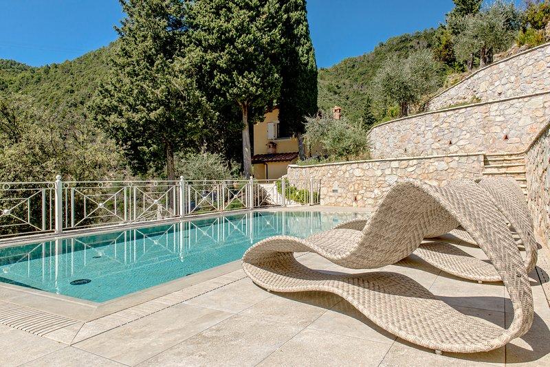 Villa Del Giudice: Luxury Villa with Private Pool Lucca, alquiler vacacional en Vecchiano