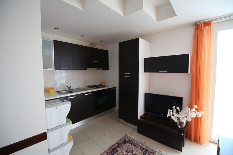 Appartamento A 30 Metri Dal Mare 6 Posti Letto senza Vista Mare, vacation rental in San Benedetto Del Tronto