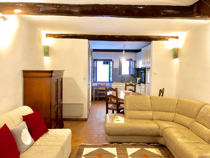 CHARMANTE MAISON A SAINT GUILHEM LE DESERT, holiday rental in Aniane
