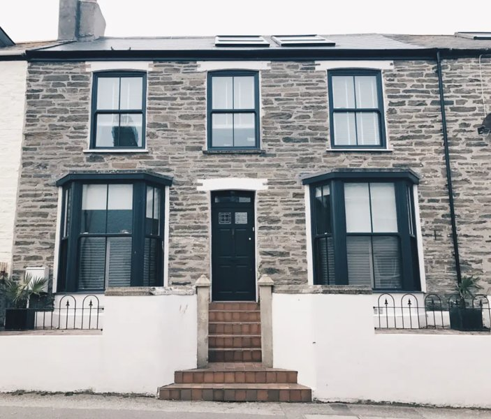 Huers Townhouse Newquay Sleeps 9, holiday rental in Newquay