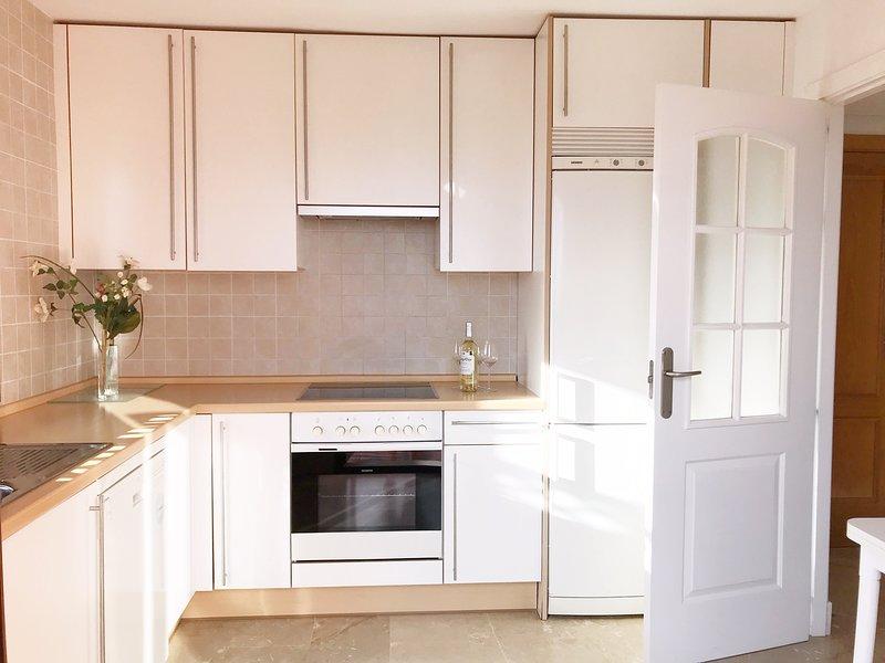 Kök med Siemens apparater