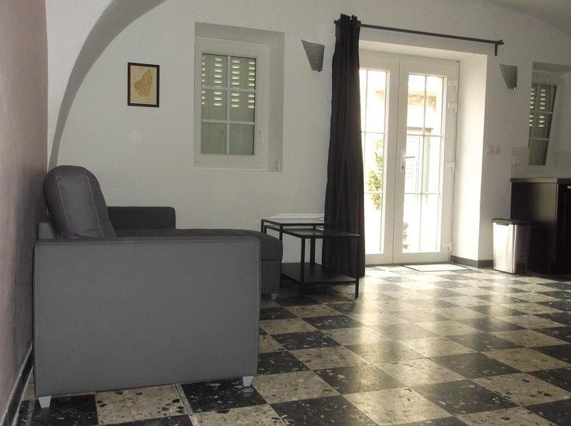 Nice apartment near the beach, location de vacances à Chauzon