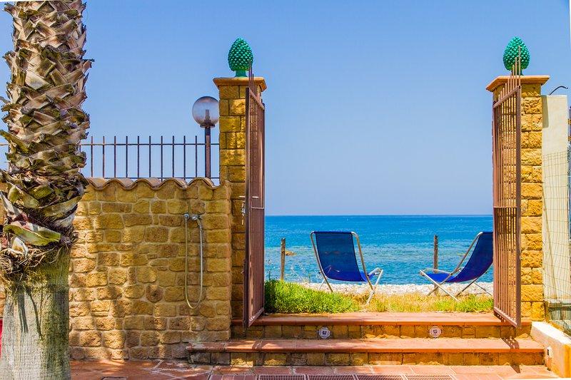 Kefa Holiday - Villa Zaffiro, accommodation in costa Turchina, holiday rental in Finale