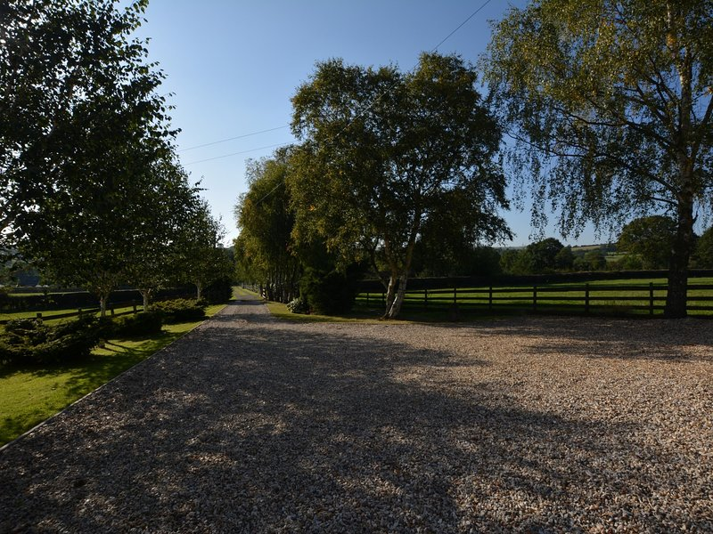 Stroll down the drive to explore the area and local pubs nearby