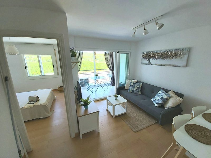 Beautiful apartment near the beach, casa vacanza a Bonastre