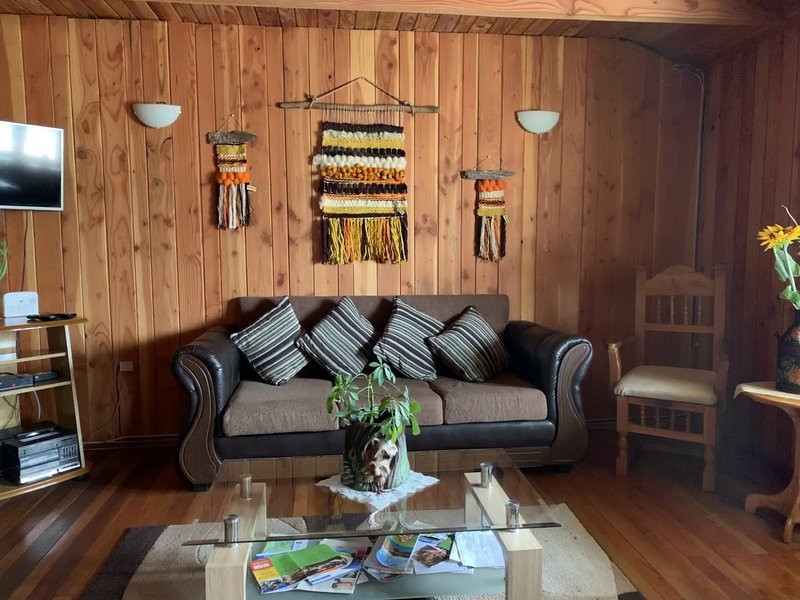 Living, comfortable and spacious, with Smartv.