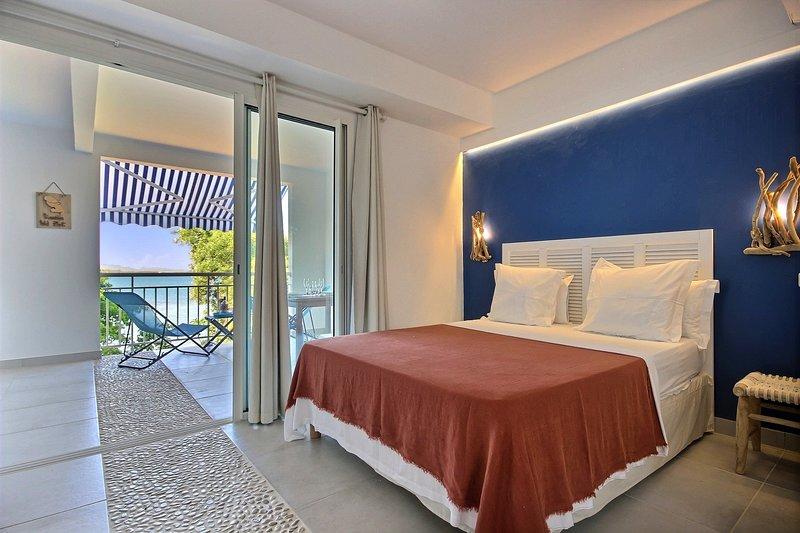 Mer Azur: Studio vue mer et accès mer pour séjour romantique, location de vacances à Le Robert