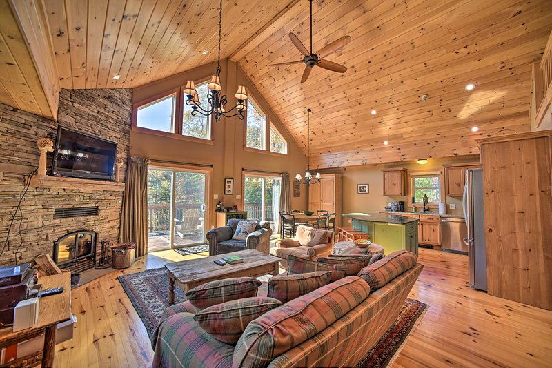 Luxe Family Home 2Mi to Windham Mountain & Resort, location de vacances à Ashland