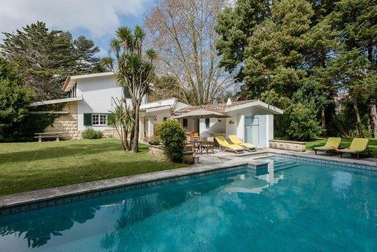 ALTIDO Villa Valeverde, holiday rental in Terrugem