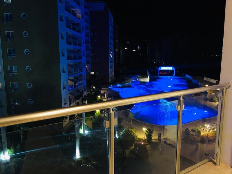 caesar resort apartment with pool view it is designed apartmentwith newfurnuture, holiday rental in Trikomo