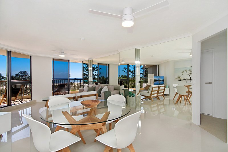 Porta Pacifique 11 - Renovated with Beachfront Views + min. 4 night stays!, vacation rental in Tallebudgera