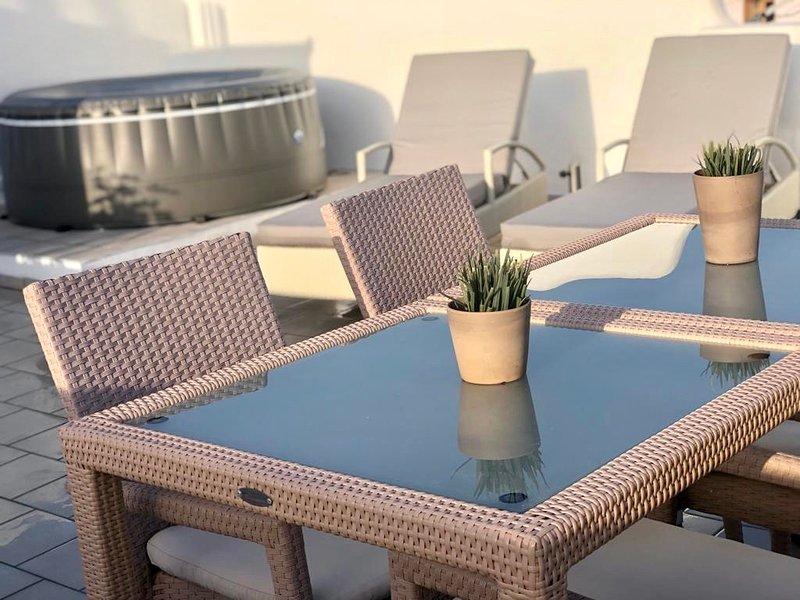 Amazing apt with sea view & terrace, vacation rental in Tijoco Bajo