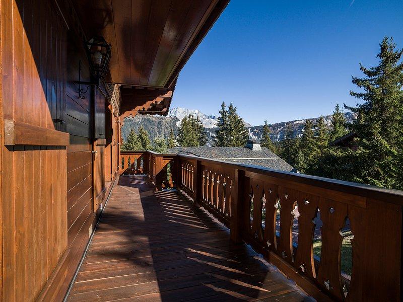 Saint-Bon-Tarentaise Chalet Sleeps 12 - 5817037, holiday rental in Saint-Bon-Tarentaise