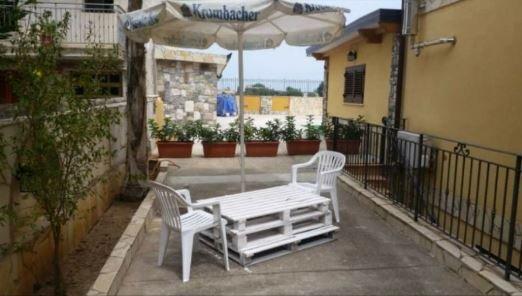 Nice apartment with sea view – semesterbostad i Ficuzza