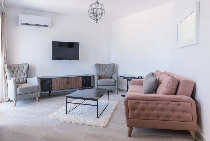 Juliet Apartment with Sea View, alquiler vacacional en Yeni Erenkoy