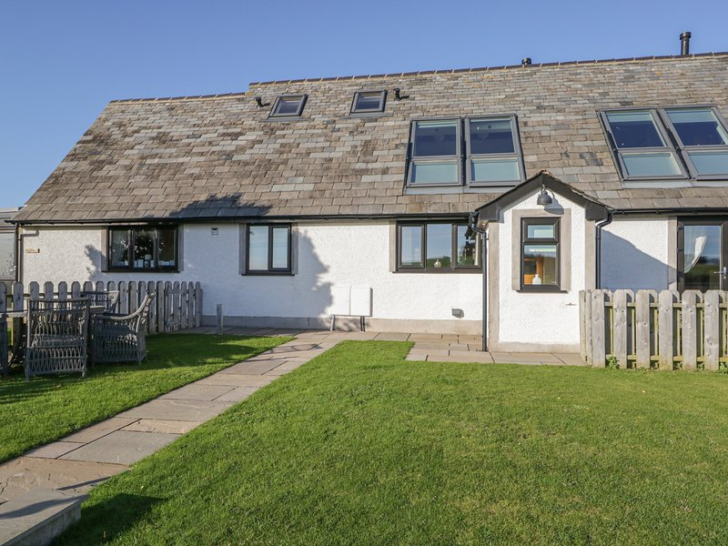 BLUEBELL COTTAGE luxurious, woodburner, WiFi , open plan in Baycliff Ref 916664, vacation rental in Newton in Furness