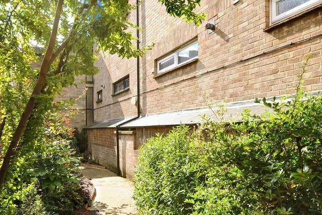 Righton one-bedroom studio serviced apartment in jericho (oxergc), vacation rental in Botley