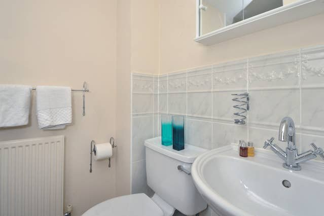 Righton two-bedroom serviced apartment in marston (oxisch), vacation rental in Stanton Saint John