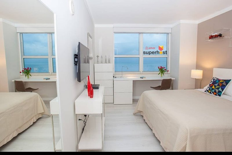 Coconut Grove Residences by Miami Vacation Rentals - Aria 1518-1 · Luxury, holiday rental in Coral Gables