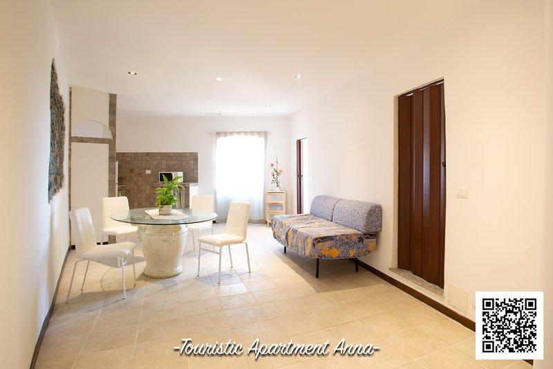 TOURIST APARTMENT  ANNA, holiday rental in Manziana