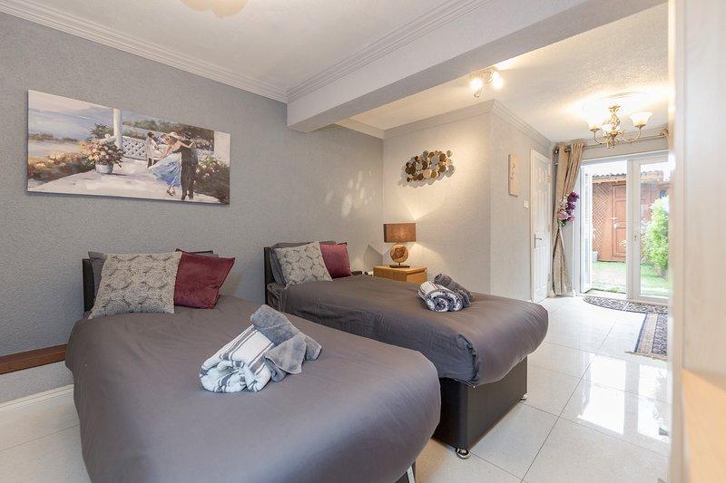 Watford General Suites - Ground Floor Flat, alquiler de vacaciones en Rickmansworth