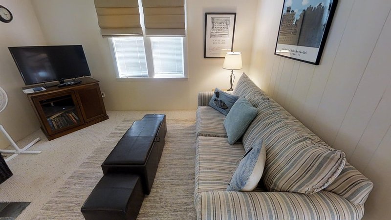 Home Decor,Furniture,Window,Screen,Couch