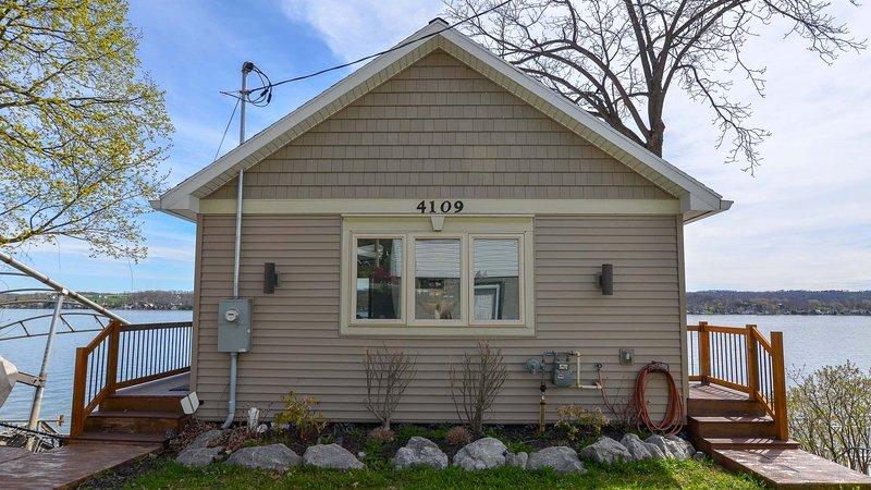 Building,House,Cottage,Home Decor,Porch