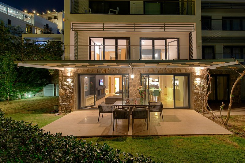 Bodrum Villa Luxe - Modern Living By Sea With Pool, location de vacances à Gumbet
