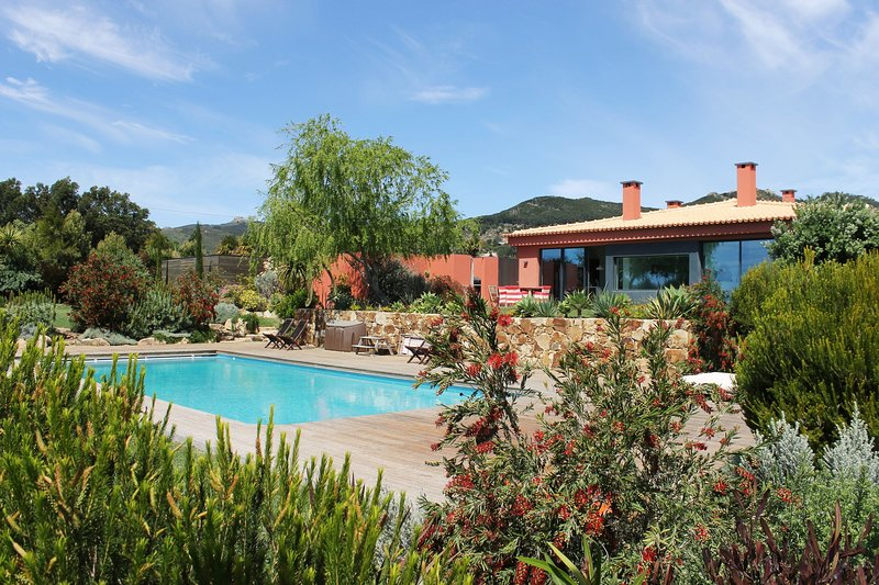 Mountain Guincho Villa, holiday rental in Malveira da Serra