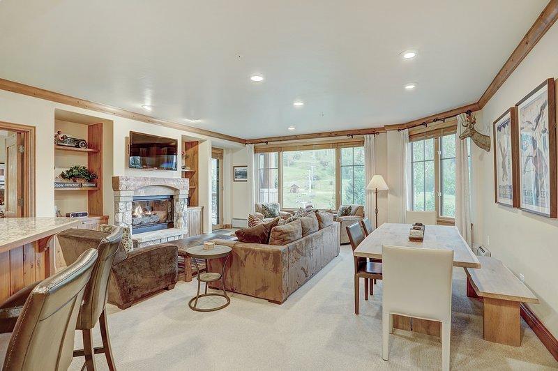 Bodenbelag, Wohnzimmer, Innenaufnahme, Zimmer, Möbel