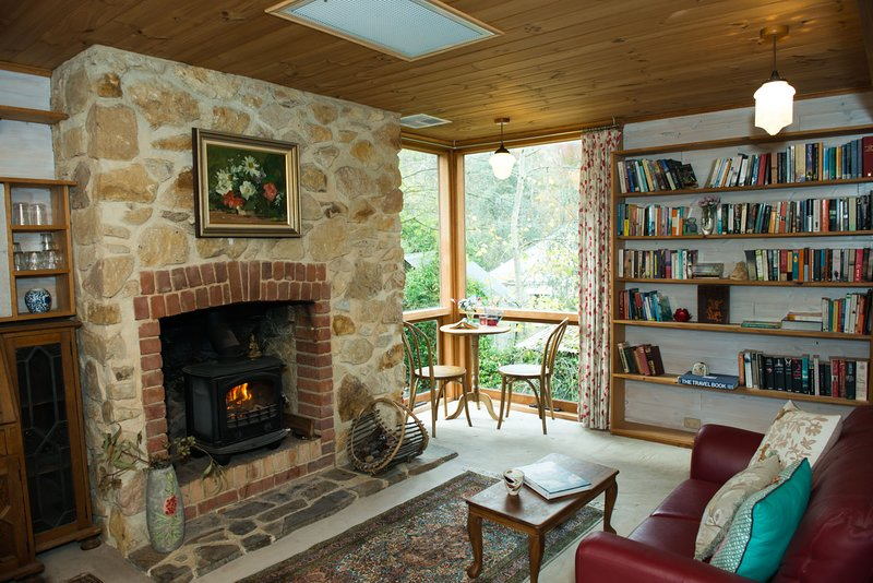 Adelaide Hills 'Camellia Cottage' + Wifi, location de vacances à Hahndorf