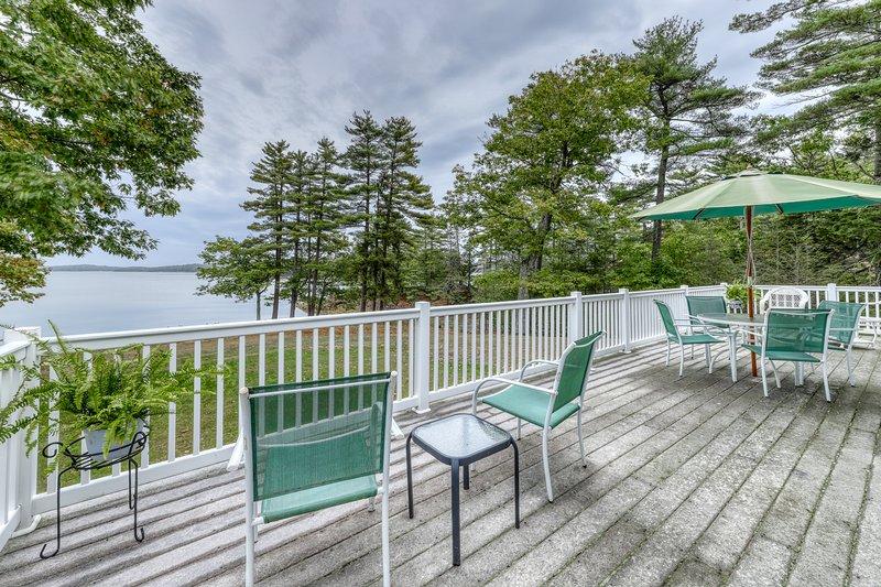 Waterfront home w/ gorgeous views, river access, firepit & large backyard!, location de vacances à Brunswick