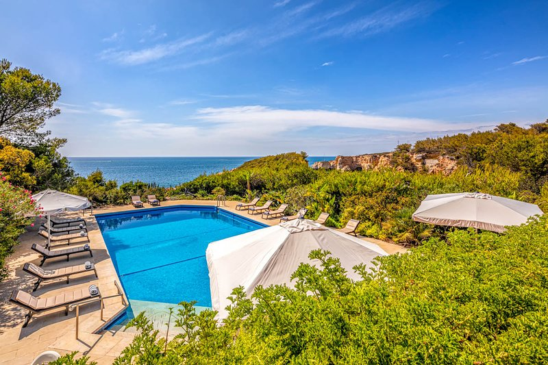 Benagil Villa Sleeps 20 with Pool - 5817295, holiday rental in Lagoa