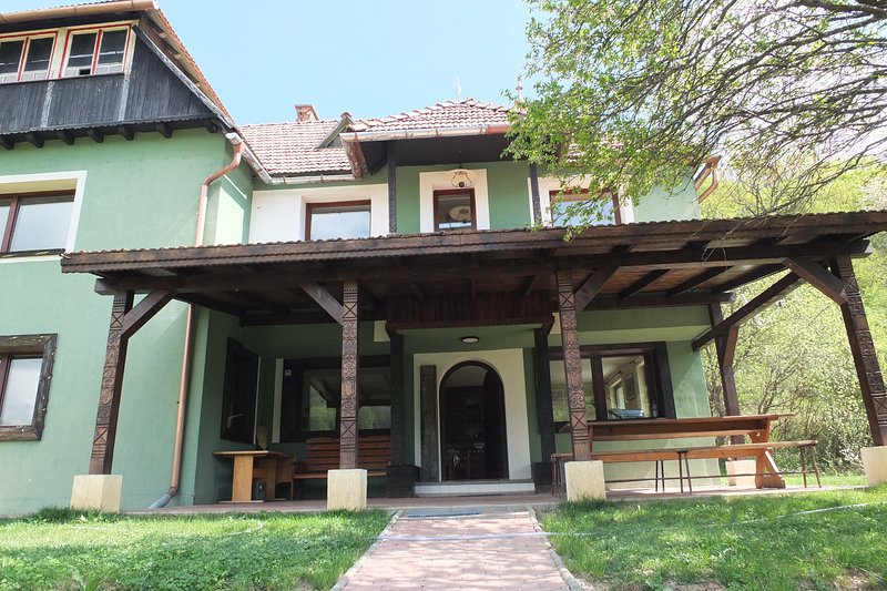 Szejke Villa, holiday rental in Odorheiu Secuiesc